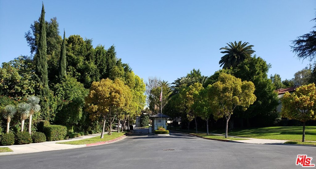Photo of 69 FREMONT Place, Los Angeles, CA 90005