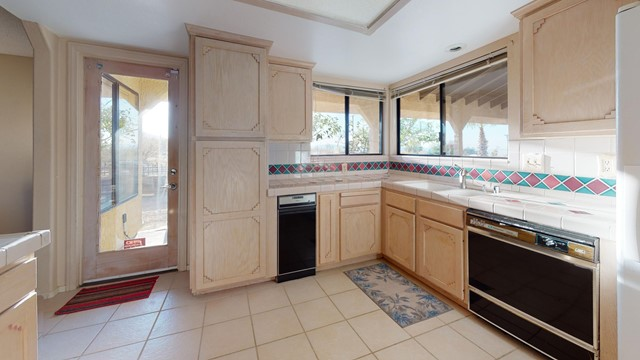 70138-Sullivan-Rd-Kitchen(1)