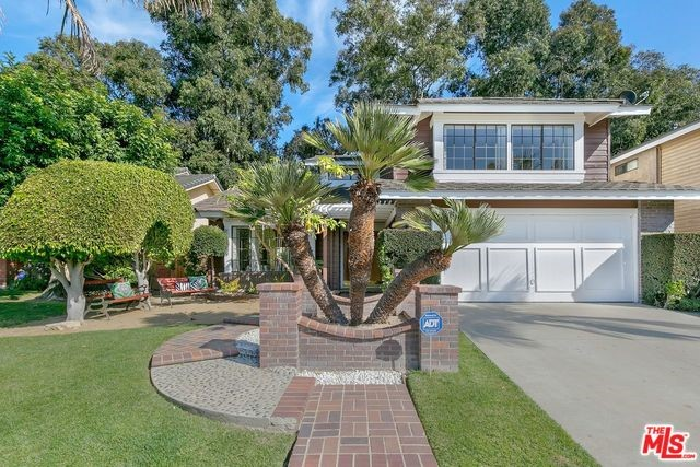 6532 BRADLEY Place, Los Angeles, CA 90056