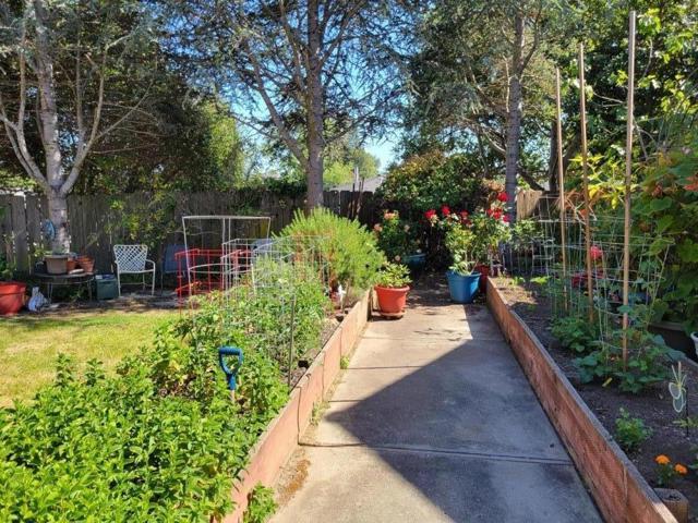 28. 101 Vista Prieta Court Santa Cruz, CA 95062