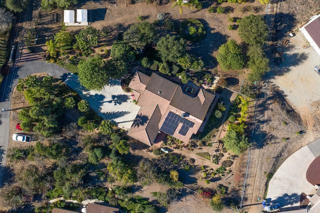 2328 Via Del Robles, Fallbrook, CA 92028