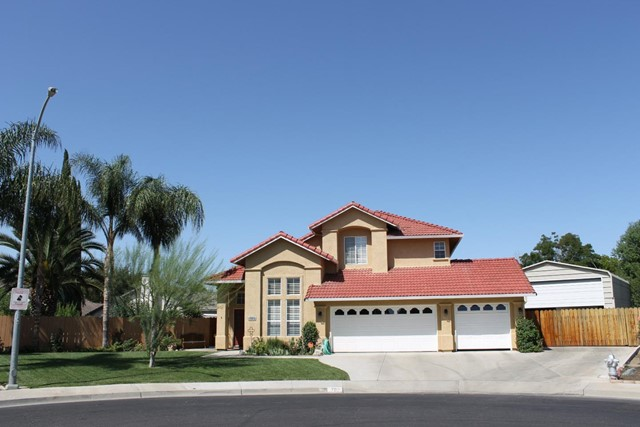 702 Whitney Court, Los Banos, CA 93635