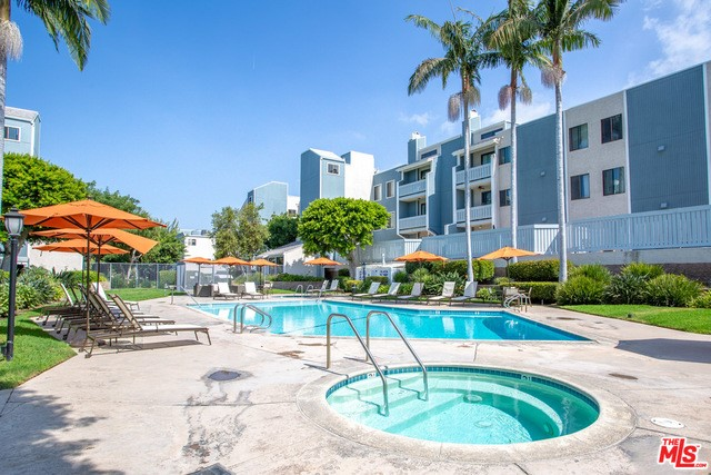 8160 MANITOBA Street 309, Playa del Rey, CA 90293