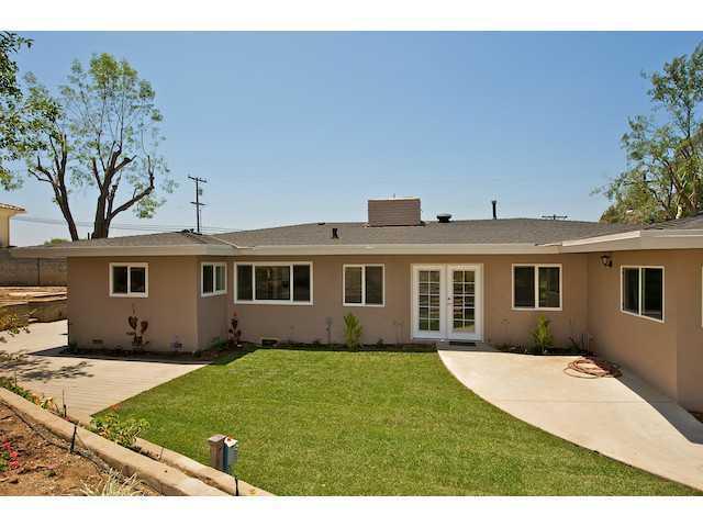 2930 Mary Lane Escondido, CA 92025