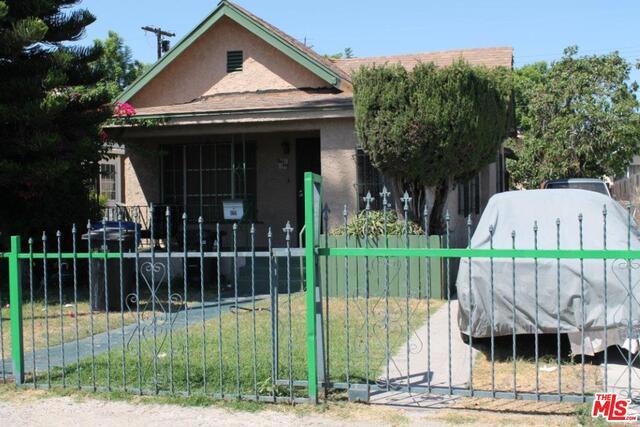 429 W 62ND Street, Los Angeles, CA 90003