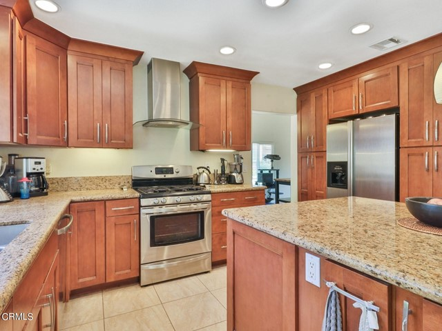 13. 11533 Coralberry Court Moorpark, CA 93021