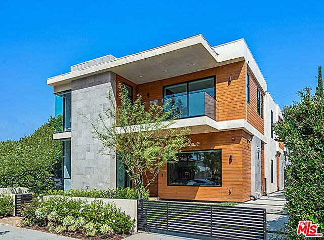 Newly built in 2020! North of Wilshire in great Beverly Hills location. Beautiful Modern Contemporary 5 bedrooms + 7 baths home with open floor plan and high ceilings throughout. Living room, formal dining, and gourmet kitchen opens up to family room and wonderful backyard with sparkling pool and spa. 4 bedrooms all en suite plus maid's quarters. Additional amenities include home office, stylish theater, large recreation room and gym. Centrally located to great shopping and restaurants. EZ to show.