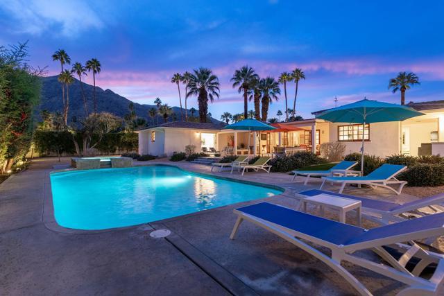377 Camino Sur, Palm Springs, CA 92262