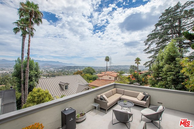 Image 28 of 3705 Lowry Rd, Los Angeles, CA 90027