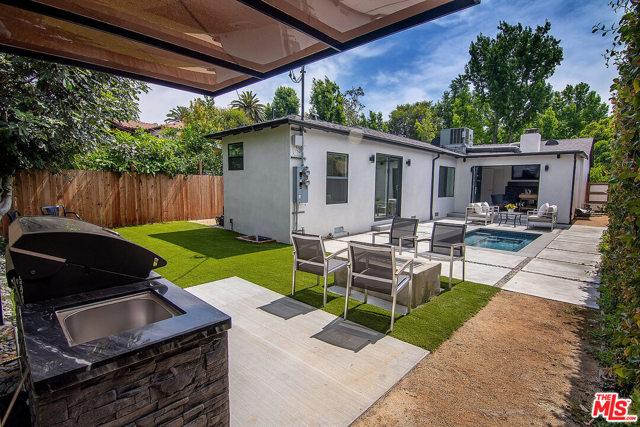 34. 4221 Greenbush Avenue Sherman Oaks, CA 91423