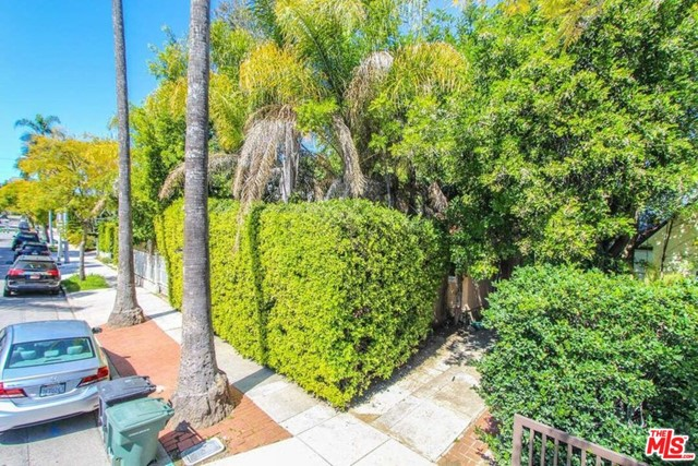 8929 Rosewood Avenue, West Hollywood, CA 90048