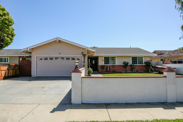 1686 Cupertino Way, Salinas, CA 93906