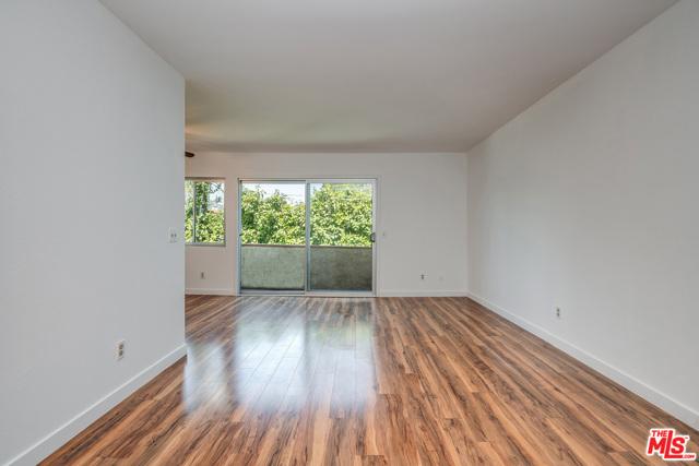 4. 5900 Murietta Avenue #203 Van Nuys, CA 91401