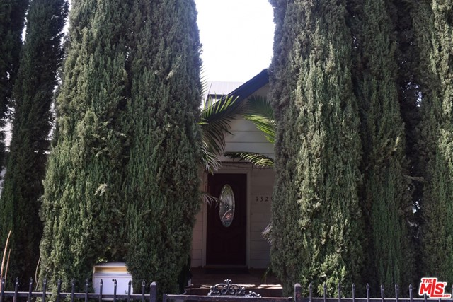 1329 W 57Th St, Los Angeles, CA 90037
