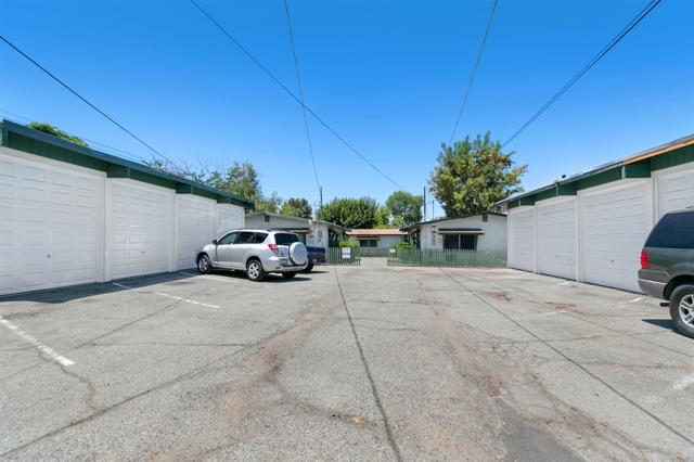 1256 Lyons Ln, El Cajon, CA 92021