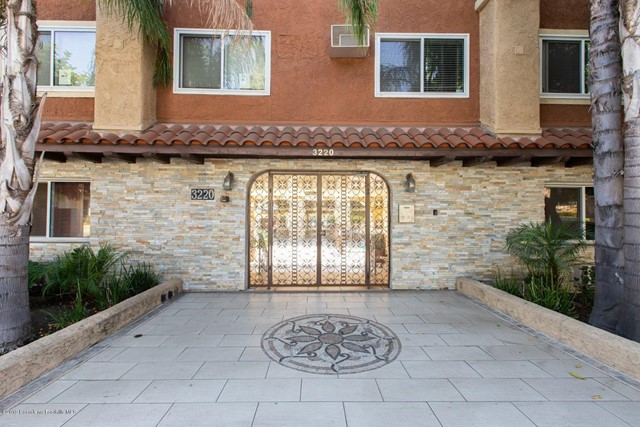 3220 Altura Avenue, Glendale, California 91214, 2 Bedrooms Bedrooms, ,2 BathroomsBathrooms,Residential,For Sale,Altura,819004280