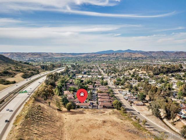 32. 8008 Calle Fanita Santee, CA 92071
