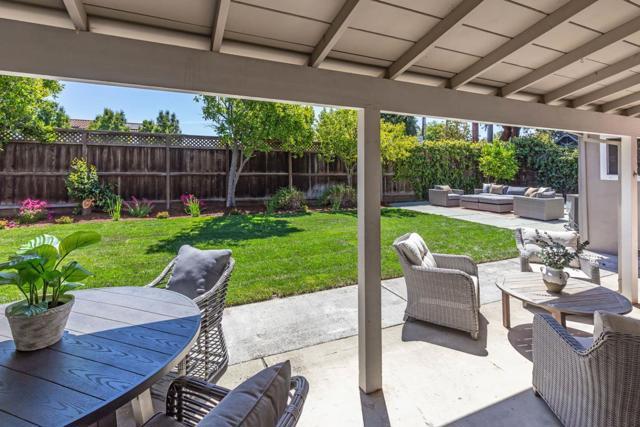 19. 1035 Rose Circle Los Altos, CA 94024