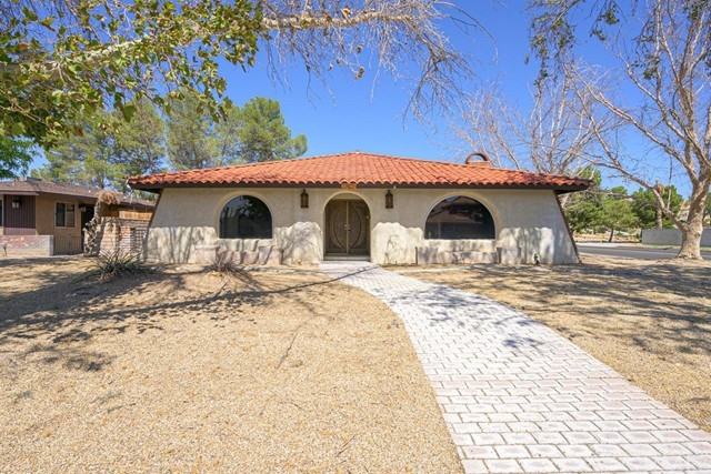 27622 Silver Lakes Parkway, Helendale, CA 92342