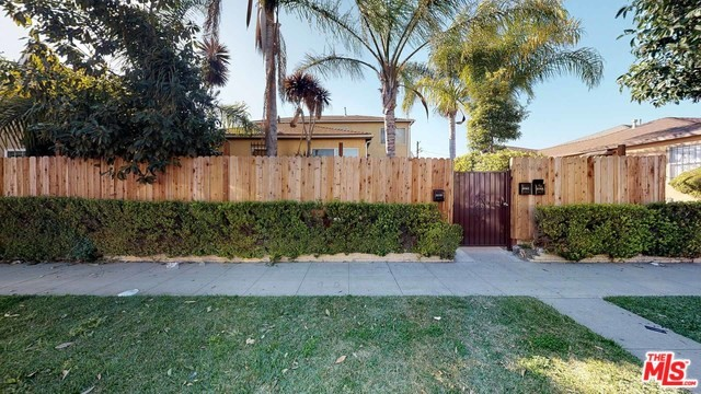 6559 S VAN NESS Avenue, Los Angeles, CA 90047