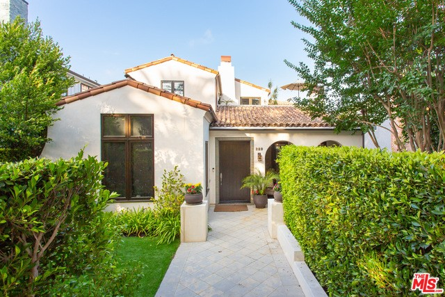 229 22ND Street, Santa Monica, California 90402, 4 Bedrooms Bedrooms, ,4 BathroomsBathrooms,For Sale,22ND,19510320