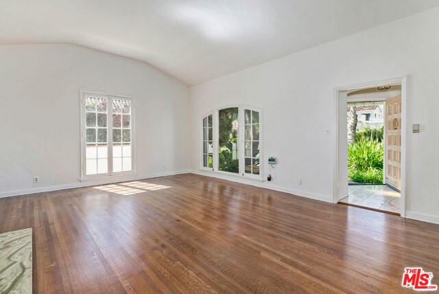 208 S MAPLE Drive, Beverly Hills, CA 90212