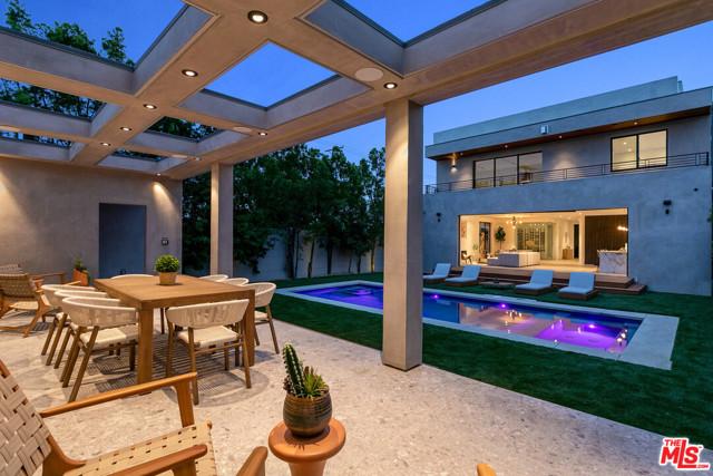 3. 716 N Fuller Avenue Los Angeles, CA 90046