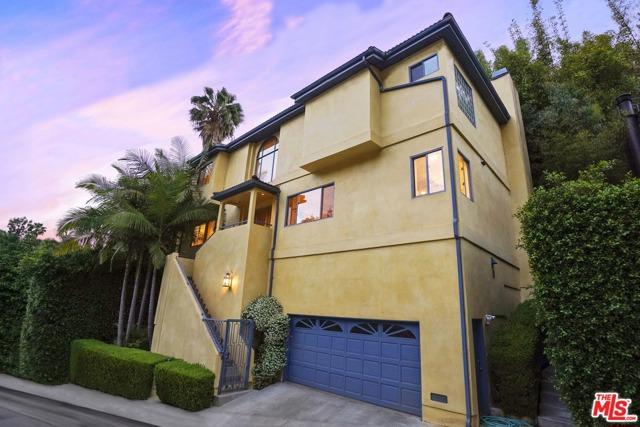 48. 2635 Rinconia Drive Los Angeles, CA 90068