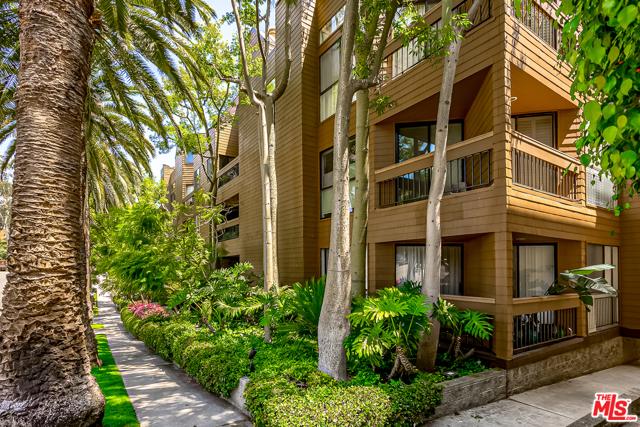 11628 MONTANA Avenue 304, Los Angeles, CA 90049