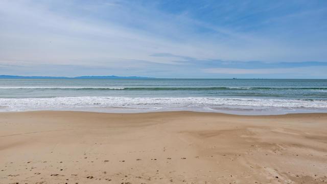 029_28-La Conchita Beach
