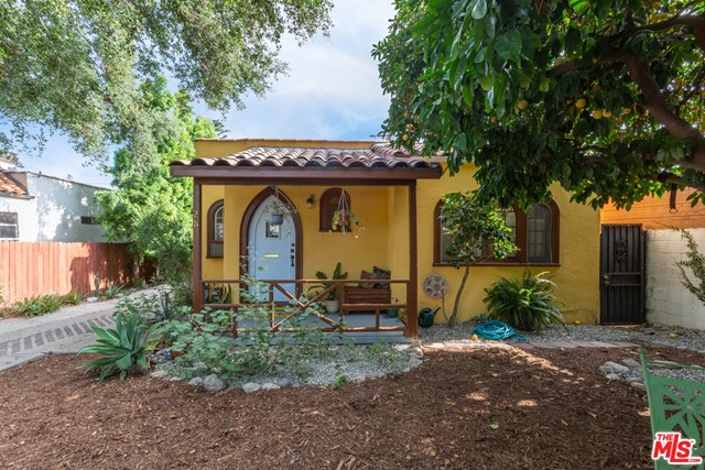 Photo of 28 E CALAVERAS Street, Altadena, CA 91001