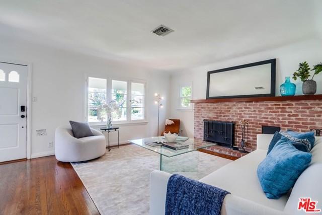 3. 1724 S Carmelina Avenue Los Angeles, CA 90025