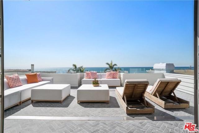 703 bayview Drive, Manhattan Beach, California 90266, 4 Bedrooms Bedrooms, ,2 BathroomsBathrooms,For Rent,bayview,17230016
