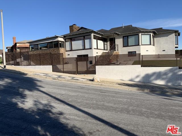 5111 ONACREST Drive, Los Angeles, CA 90043