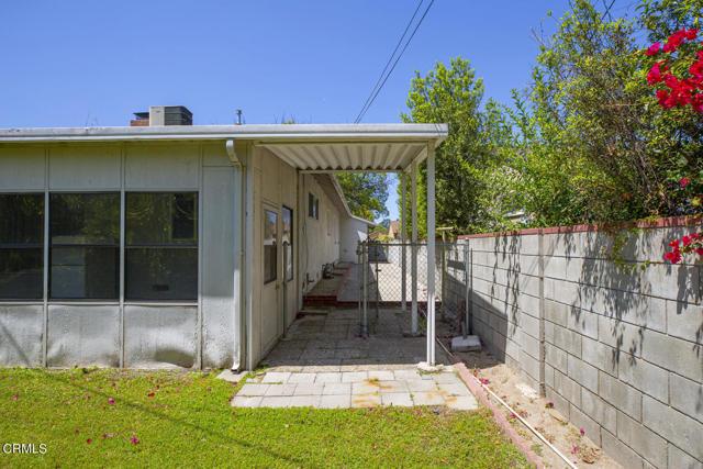 33. 5752 Bucknell Avenue Valley Village, CA 91607
