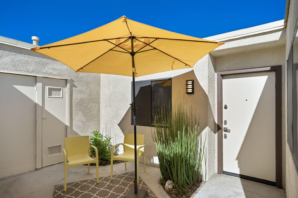 649   N Majorca Circle, Palm Springs CA 92262