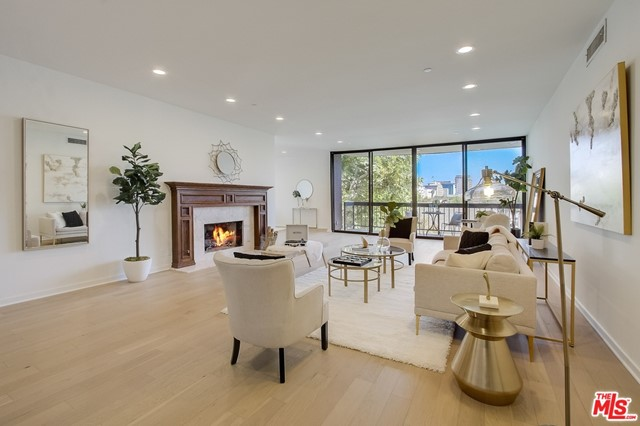 135 S McCarty Drive 302, Beverly Hills, CA 90212