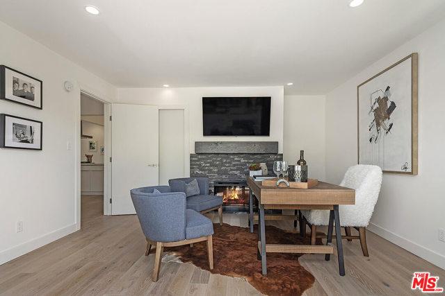 15. 4221 Greenbush Avenue Sherman Oaks, CA 91423