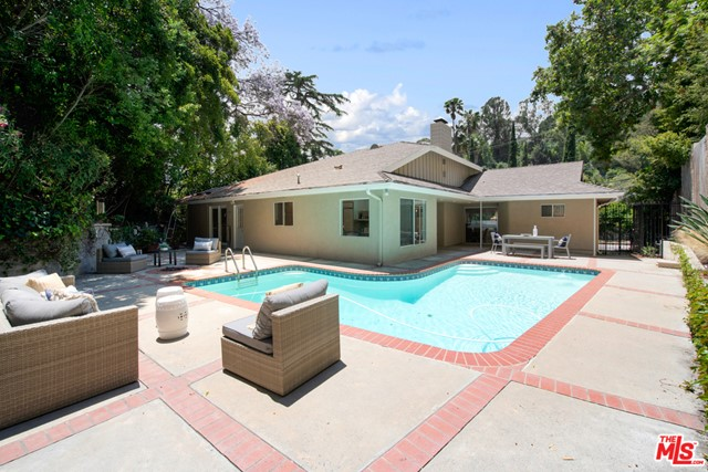 1340 BENEDICT CANYON Drive, Beverly Hills, CA 90210