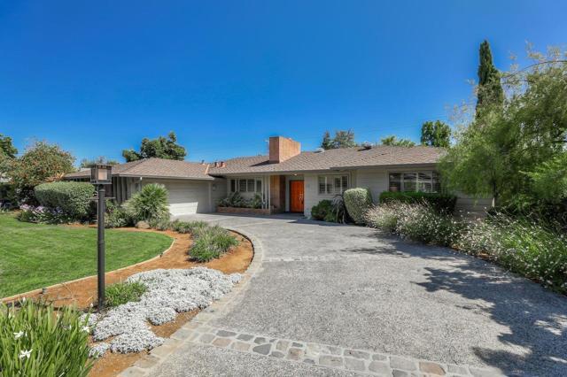 221 Chateau Drive, Los Altos, CA 94022