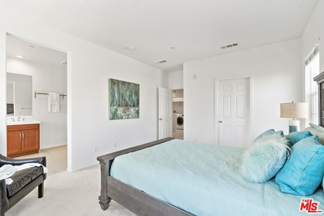 Primary Bedroom w/ Ensuite Ba