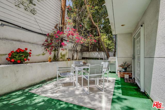 18. 845 S Plymouth Boulevard #E Los Angeles, CA 90005
