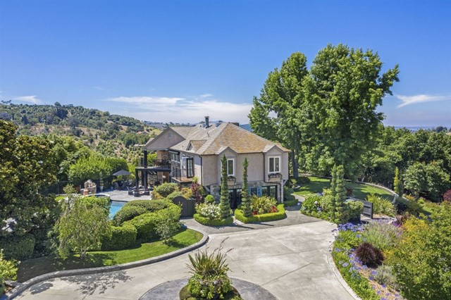 2222 Country Road, Fallbrook, CA 92028
