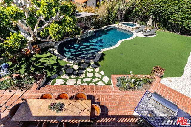 43. 453 Via Media Palos Verdes Estates, CA 90274