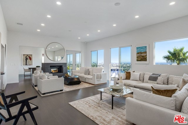 2069 N Gramercy Place, Los Angeles, CA 90068