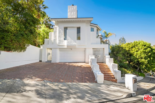 Photo of 2461 Jupiter Drive, Los Angeles, CA 90046