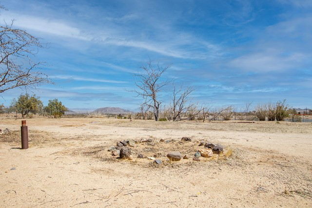 Image 33 of 388 Old Woman Springs Rd, Yucca Valley, CA 92284