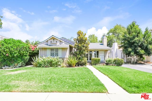 Photo of 13917 Emelita Street, Valley Glen, CA 91401