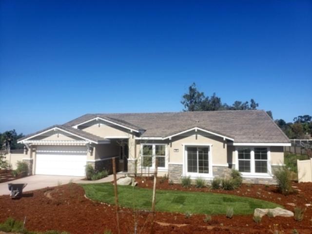 400 Glin Court, Vista, CA 92081