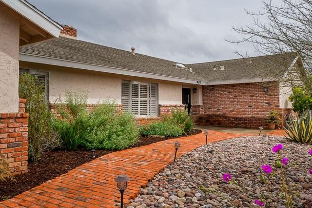 1803 Hillsdale Ln, El Cajon, CA 92019